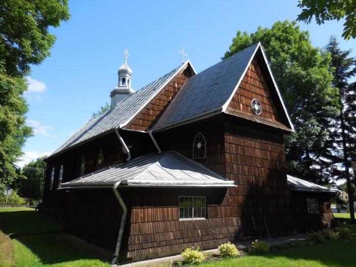 Drewniany kościół w Medyce